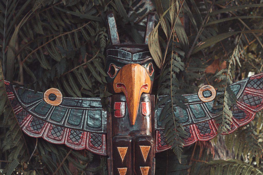Totem bird